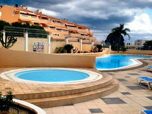 low cost tenerife apartment St George